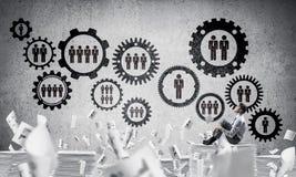 Επιχειρηματίας που ονειρεύεται για τη μελλοντική επιχείρηση Στοκ Φωτογραφία