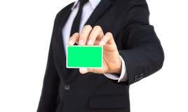 Επιχειρηματίας που παρουσιάζει κενή κάρτα Στοκ φωτογραφίες με δικαίωμα ελεύθερης χρήσης