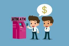 Επιχειρηματίας που παρουσιάζει στο λευκόχρυσό του πιστωτική κάρτα μπροστά από τη μηχανή του ATM, οικονομική διανυσματική έννοια τ Στοκ εικόνες με δικαίωμα ελεύθερης χρήσης
