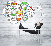 Επιχειρηματίας που σκέφτεται για το σχέδιο επιχειρησιακής στρατηγικής στο ύφος σοφιτών Στοκ Εικόνες