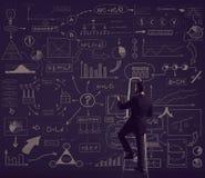 Επιχειρηματίας που στέκεται στο stepladder Σχηματικό υπόβαθρο Busin Στοκ Εικόνα