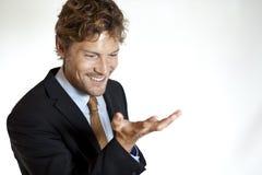 Επιχειρηματίας που φαίνεται προσιτός Στοκ εικόνες με δικαίωμα ελεύθερης χρήσης