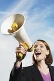 Επιχειρηματίας που φωνάζει μέσω Megaphone Στοκ φωτογραφίες με δικαίωμα ελεύθερης χρήσης