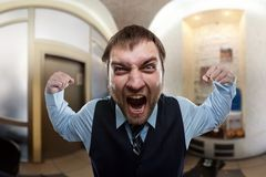 Επιχειρηματίας που φωνάζει στο γραφείο Στοκ φωτογραφίες με δικαίωμα ελεύθερης χρήσης