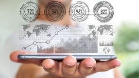 Επιχειρηματίας που χρησιμοποιεί την ψηφιακή διεπαφή â€˜3D γραφικών παραστάσεων rendering' απεικόνιση αποθεμάτων