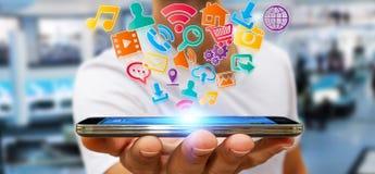 Επιχειρηματίας που χρησιμοποιεί τη σύγχρονη ψηφιακή εφαρμογή εικονιδίων σε κινητό του Στοκ φωτογραφία με δικαίωμα ελεύθερης χρήσης