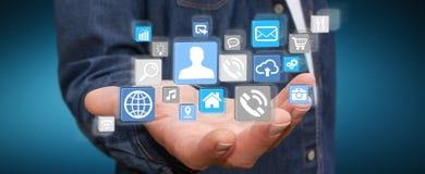 Επιχειρηματίας που χρησιμοποιεί τη σύγχρονη ψηφιακή εφαρμογή εικονιδίων Στοκ εικόνες με δικαίωμα ελεύθερης χρήσης