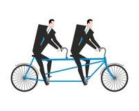 Επιχειρηματίας σε διαδοχικό Επιχειρησιακή ομάδα στο ποδήλατο Κύριος πλοηγός Στοκ εικόνες με δικαίωμα ελεύθερης χρήσης