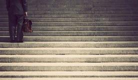Επιχειρηματίας στα βήματα Στοκ εικόνες με δικαίωμα ελεύθερης χρήσης