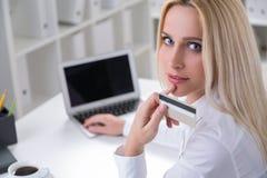 Επιχειρηματίας στην εργασία Στοκ εικόνες με δικαίωμα ελεύθερης χρήσης