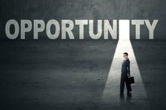 Επιχειρηματίας στην πόρτα ευκαιρίας Στοκ Εικόνα