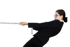 Επιχειρηματίας στον έλεγχο που απομονώνεται στο λευκό Στοκ Εικόνες