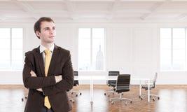 Επιχειρηματίας στο νέο γραφείο Στοκ Φωτογραφία
