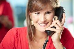 Επιχειρηματίας στο τηλέφωνο Στοκ φωτογραφία με δικαίωμα ελεύθερης χρήσης