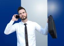 0 επιχειρηματίας στο τηλέφωνο κυττάρων Στοκ Εικόνες