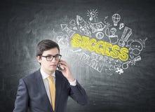 Επιχειρηματίας στο τηλέφωνο, σκίτσο επιτυχίας Στοκ Εικόνες