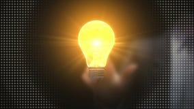 Επιχειρηματίας σχετικά με τη λάμπα φωτός ιδέας, δημιουργική τεχνολογία επικοινωνιών απεικόνιση αποθεμάτων
