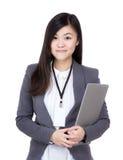 Επιχειρηματίας της Ασίας με το φορητό προσωπικό υπολογιστή Στοκ Φωτογραφίες