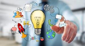 Επιχειρηματίας το χέρι που σύρονται σχετικά με lightbulb και τα εικονίδια πολυμέσων Στοκ Εικόνες