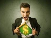Επιχειρηματίας λυσσασμένος από το πουκάμισό του με το σημάδι δολαρίων στο στήθος Στοκ Εικόνα
