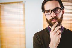 Επιχειρηματίας Hipster που εξετάζει τη κάμερα Στοκ φωτογραφίες με δικαίωμα ελεύθερης χρήσης