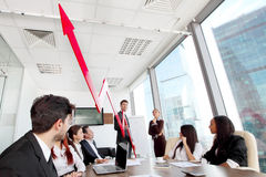 Επιχειρηματίες και εισοδηματική αύξηση Στοκ Φωτογραφία