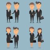 Επιχειρηματίες και επιχειρηματίες που τινάζουν τα χέρια Στοκ Φωτογραφία
