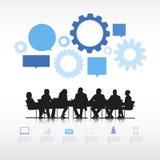 Επιχειρηματίες με τα πληροφορία-γραφικά στοιχεία Στοκ εικόνα με δικαίωμα ελεύθερης χρήσης