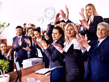 Επιχειρηματίες ομάδας στην αρχή. Στοκ φωτογραφίες με δικαίωμα ελεύθερης χρήσης