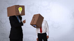 Επιχειρηματίες που κρύβουν το κεφάλι με το κιβώτιο απεικόνιση αποθεμάτων
