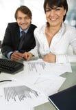 επιχειρηματίες που χαμογελούν δύο Στοκ Εικόνες