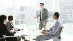 Επιχειρηματίες σε μια συνεδρίαση απόθεμα βίντεο