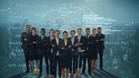 Επιχειρηματίες στα κοστούμια και την ψηφιακή σφαίρα απόθεμα βίντεο