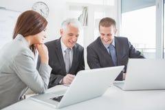 Επιχειρηματίες στην εργασία στοκ εικόνες με δικαίωμα ελεύθερης χρήσης