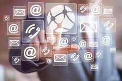 Επιχειρηματιών ώθησης κουμπιών σφαιρικό ταχυδρομείο εικονιδίων δικτύων τεχνολογίας κοινωνικό Στοκ Φωτογραφίες