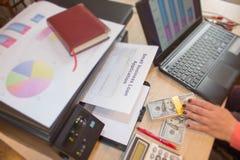 Επιχειρησιακά δάνεια καμία επιβοηθητική εγγύηση Επιχειρησιακά δάνεια κανένας προσωπικός guarant Στοκ Εικόνες