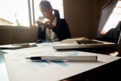 Επιχειρησιακή έννοια με το διάστημα αντιγράφων Πίνακας γραφείων γραφείων με τη μάνδρα foc Στοκ Εικόνες