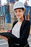 Επιχειρησιακή γυναίκα κατασκευής Στοκ Εικόνες