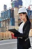 Επιχειρησιακή γυναίκα κατασκευής Στοκ φωτογραφίες με δικαίωμα ελεύθερης χρήσης