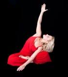 Επιχειρησιακή γυναίκα που κάνει το joga στο μεσημεριανό διάλειμμα Στοκ εικόνες με δικαίωμα ελεύθερης χρήσης