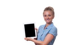 Επιχειρησιακή γυναίκα που χρησιμοποιεί τον ψηφιακό υπολογιστή ταμπλετών στο άσπρο υπόβαθρο Στοκ εικόνες με δικαίωμα ελεύθερης χρήσης