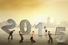 Επιχειρησιακή ομάδα που συνθέτει τον αριθμό 2015 στοκ εικόνα με δικαίωμα ελεύθερης χρήσης
