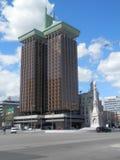 Επιχειρησιακοί ουρανοξύστες πύργων άνω και κάτω τελειών στη Μαδρίτη Στοκ εικόνα με δικαίωμα ελεύθερης χρήσης