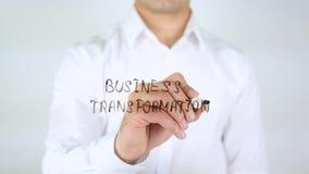 Επιχειρησιακός μετασχηματισμός, άτομο που γράφει στο γυαλί, χειρόγραφο Στοκ εικόνα με δικαίωμα ελεύθερης χρήσης