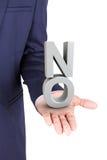 Επιχειρησιακό άτομο που κρατά μια τρισδιάστατη λέξη καμία διαθέσιμη παλάμη χεριών Στοκ Εικόνα