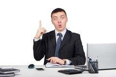 Επιχειρησιακό άτομο στο δάχτυλο εκμετάλλευσης γραφείων επάνω: ιδέα ή προειδοποίηση που απομονώνεται στο άσπρο υπόβαθρο Στοκ φωτογραφίες με δικαίωμα ελεύθερης χρήσης