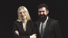 Επιχειρησιακό ζεύγος Πορτρέτο της συνεργασίας επιχειρηματιών και επιχειρηματιών Χαρούμενοι ενεργητικοί επιχειρησιακή γυναίκα και  απόθεμα βίντεο