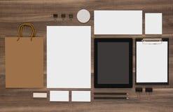 Επιχειρησιακό πρότυπο προτύπων με την τσάντα αγορών και Στοκ Εικόνες