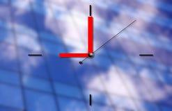 επιχειρησιακό ρολόι ανασκόπησης αρχιτεκτονικής Στοκ εικόνες με δικαίωμα ελεύθερης χρήσης