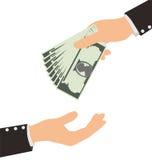 Επιχειρησιακό χέρι που λαμβάνει τα χρήματα Μπιλ από ένα άλλο πρόσωπο ελεύθερη απεικόνιση δικαιώματος